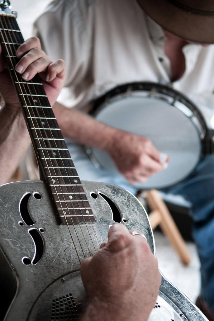 dobro banjo street musicians