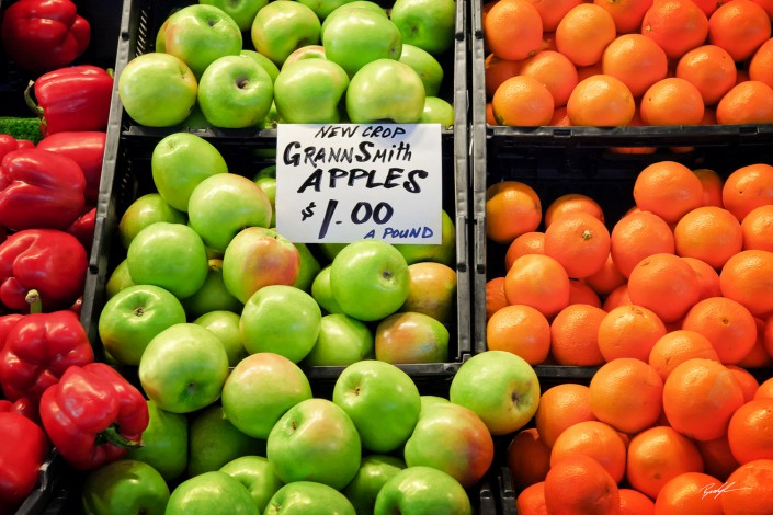 Peppers Apples and Oranges Farmers Market